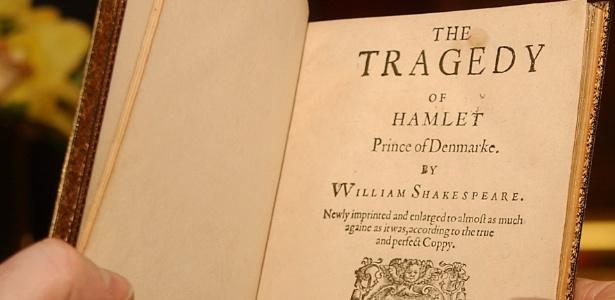 """O livro """"Hamlet"""", de William Shakespeare - AP"""