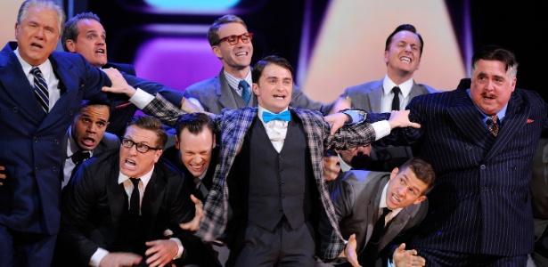 "Daniel Radcliffe interpreta canção da peça ""How to Succeed in Business Without Really Trying"" durante o Tony Awards 2011 (12/06/2011) - Getty Images"
