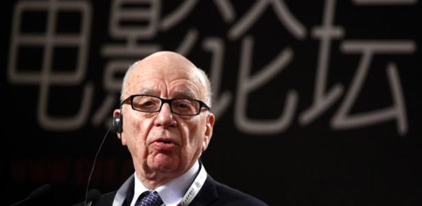 O magnata das comunicações Rupert Murdoch durante discurso no Festival Internacional de Cinema de Xangai, na China (12/06/2011) - AP