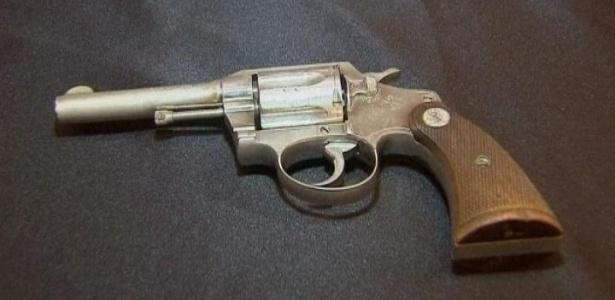 Arma de Al Capone que será leiloada - BBC