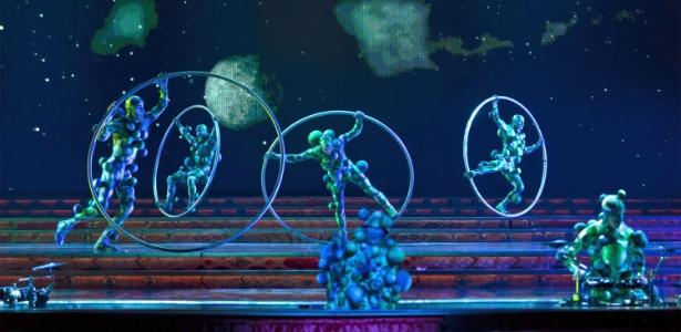 """O espetáculo """"Zarkana"""", do Cirque du Soleil, produção que reflete o estranho e fantástico mundo do mago Zark (29/03/2011) - EFE"""