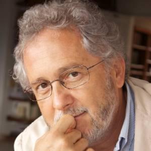 O escritor colombiano Héctor Abad - Divulgação