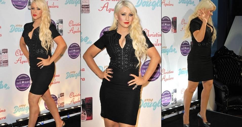 A cantora Christina Aguilera lança novo perfume de sua coleção em Munique, na Alemanha (13/7/2011)