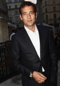 O ator britânico Clive Owen em Paris (28/6/2011)