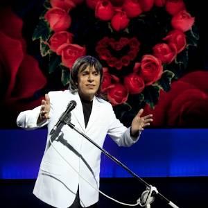Tom Cavalcante imita Roberto Carlos em seu novo show (julho/2011) - Divulgação