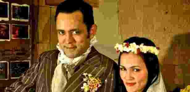 """Joaz Campos e Suzana Alves em cena da peça """"O Casamento Suspeitoso"""" (agosto/2011) - Bob Sousa/Divulgação"""