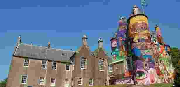 Castelo grafitado pela dupla OsGêmeos na Escócia - Carlos Alba Media / DW
