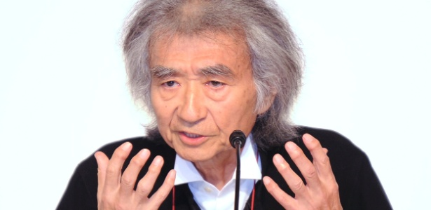Seiji Ozawa durante coletiva no 23th Praemium Imperiale Awards, em Tóquio (18/10/2011) - AFP