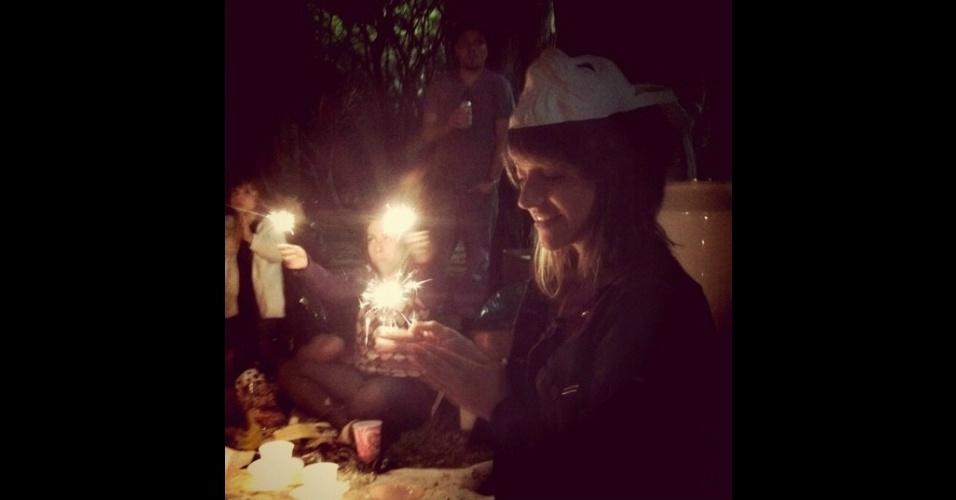 """Momentos """"parabéns a você"""" no aniversário de Veronica Gunther no parque Ibirapuera"""