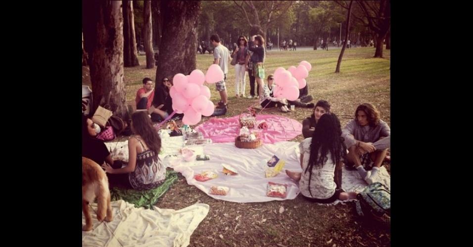 Piquenique da especialista em marketing Veronica Gunther no parque Ibirapuera, em setembro de 2011