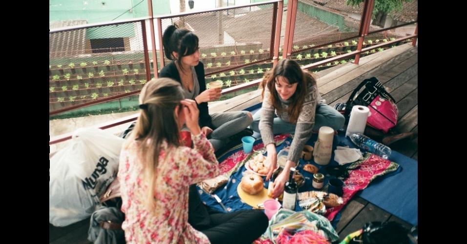 Um dos piqueniques realizados em 2011 pelo coletivo de garotas Tresponto, em São Paulo