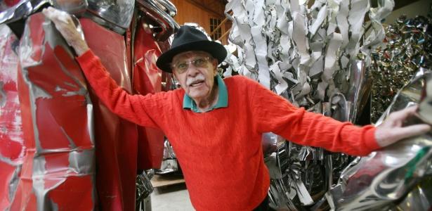 O escultor John Chamberlain, morto dia 22 de dezembro de 2011 - AP