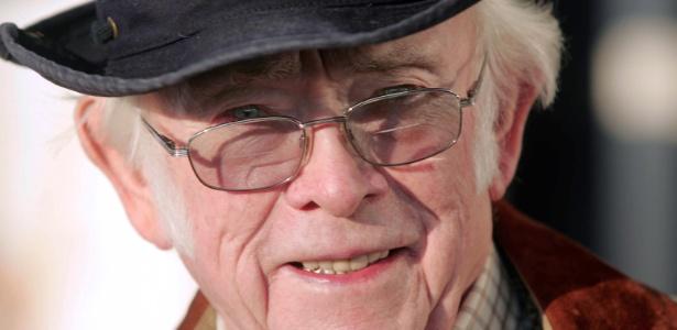 O escritor tcheco Josef Skvorecky, em foto de 2004 - AFP