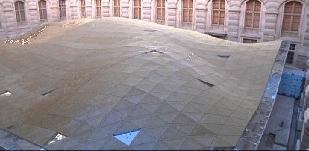 Nova ala do Louvre terá teto de vidro em formato de véu islâmico - BBC/Divulgação