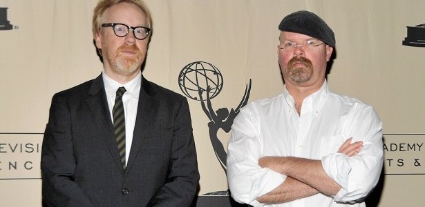 "Adam Savage e Jamie Hyneman, do programa"" Mythbusters - Os Caçadores de Mitos"" - John M. Heller/Getty Images"