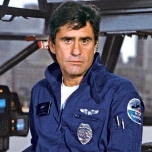 """James Farentino, na série """"Blue Thunder"""" (1984) - Reprodução"""