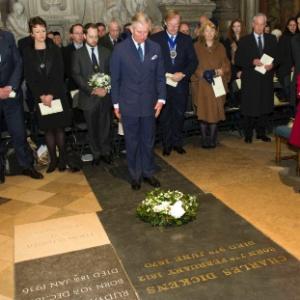 O Príncipe Charles participa de cerimônia para celebrar o bicentenário de Charles Dickens na abadia de Westminster, em Londres (7/2/2012) - REUTERS/Arthur Edwards/Pool