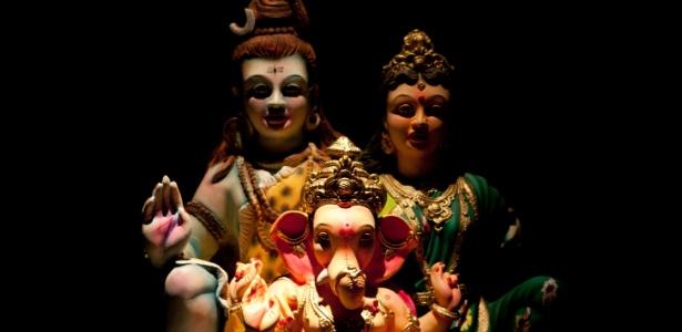 """Esculturas, pinturas e objetos de diferentes épocas e das principais religiões indianas estão em """"Deuses"""" - Silvia Zamboni/folhapress"""
