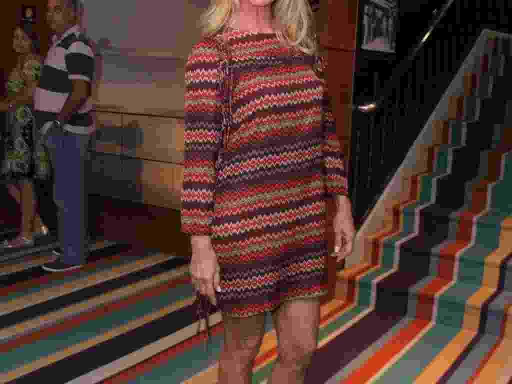 """Nadja Winits, mãe de Danielle Winits, na reestreia do espetáculo """"Xanadu"""", no teatro Oi Casa Grande, no Rio de Janeiro (16/2/12) - AgNews"""