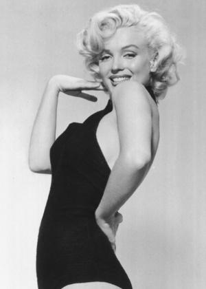"""O livro """"Marilyn: The Passion and the Paradox"""", de Lois Banner, traz revelações sobre a sexualidade da atriz"""