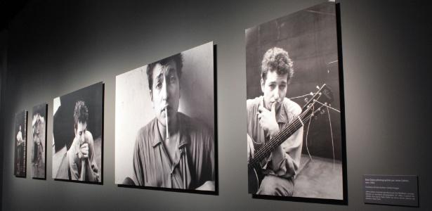Imagens de Bob Dylan em diferentes fases estão expostas em museu francês até julho de 2012 - REUTERS/Charles Platiau