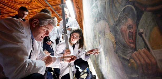 """Imagem divulgada pela National Geographic de muro de palácio em Florença onde foi encontrada a pintura """"A Batalha de Anghiari"""", atribuída a Leonardo Da Vinci (12/3/12) - EFE/National Geographic"""