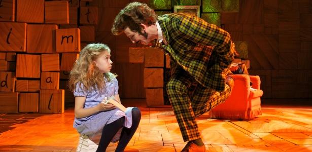 """Cena do musical """"Matilda"""" - Reprodução"""