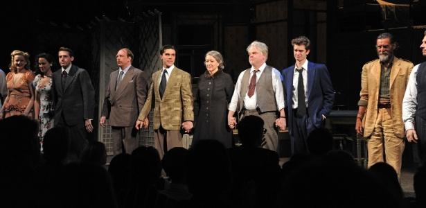 """Elenco da peça """"A Morte do Caixeiro Viajante"""" na noite de estreia, nos Estados Unidos (15/3/12)  - Mike Coppola/Getty Images"""