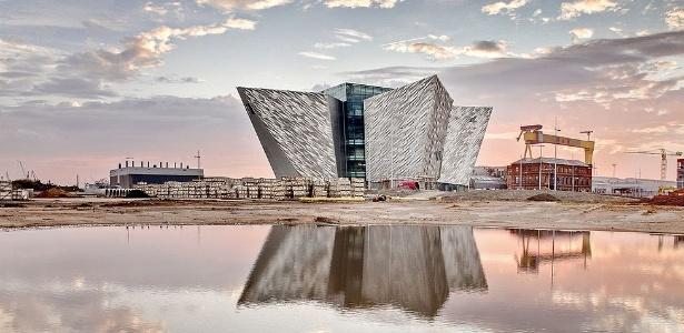 Para marcar a inauguração do Titanic Belfast, estão marcados vários eventos de música, teatro e exposições. O centro também comemora o centenário da viagem e naufrágio do navio - Christopher Heaney